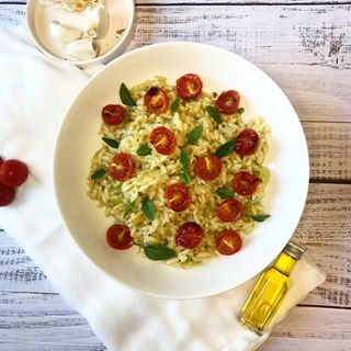 Orzo and roasted tomatoes